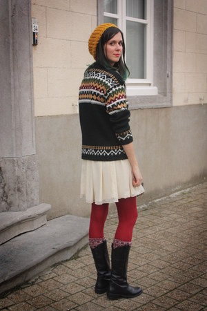 ruby red tights - black boots - cream dress - gold hat - forest green sweater