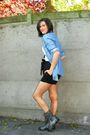 Blue-shirt-black-shorts-gray-boots-white-t-shirt