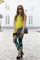 H&M pants - Ray Ban sunglasses - bullboxer heels - yellow H&M Trend top