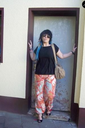 Treats bag - asos heels - Carite sport pants