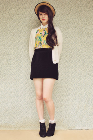 yellow floral OASAP blouse - black suede lace-up Rubi shoes boots