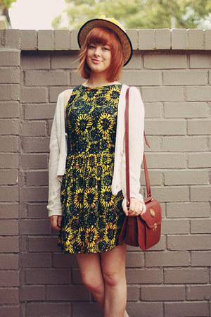 yellow modcloth dress - tawny vintage bag