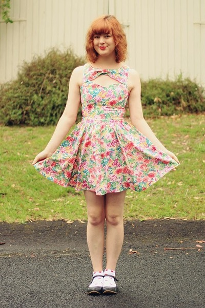 bubble gum thrifted dress - black yeswalker flats