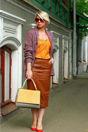 light yellow Max Mara bag - carrot orange Zara t-shirt
