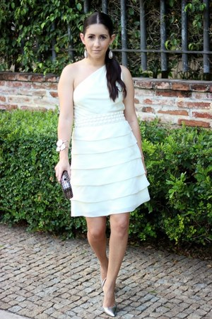 silver Shoedazzle pumps - off white Local store dress