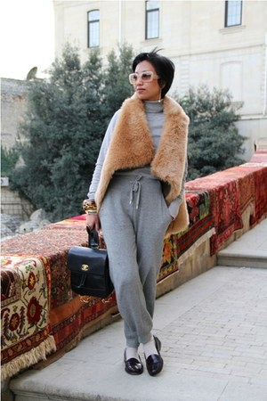 heather gray turtle neck Mango sweater - black caviar backpack Chanel bag - nude