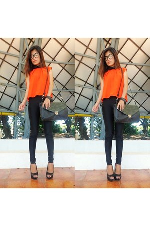 carrot orange EIGHT top