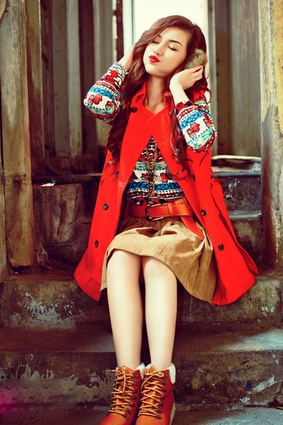 tawny ankle boots boots - red coat - pattern sweater - camel khaki skirt