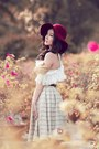 Brick-red-hat-white-blouse-silver-skirt
