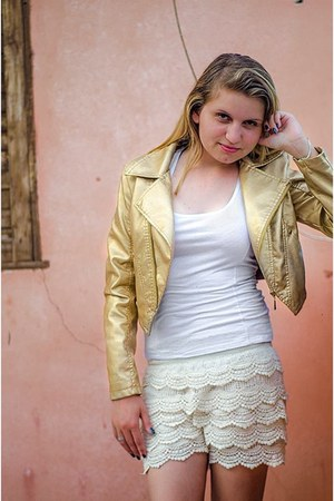 golden jacket - white shirt - lace shorts