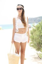 cream Oysho shorts - cream Las Dalias top