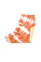 orange Messeca wedges