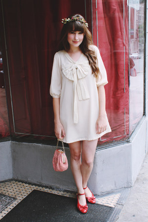 tic tac toes shoes - modcloth dress - alexandra grecco hat - vintage bag
