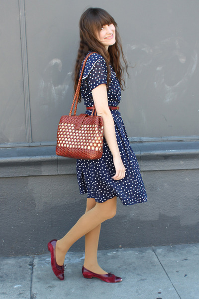 vintage bag - vintage shoes - vintage dress - thrifted belt
