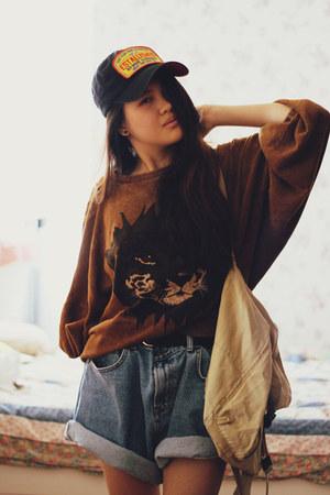 Stylenanda sweatshirt - gmarket hat - Camel bag - Stylenanda shorts