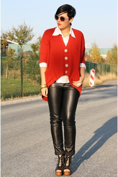 black boots - white H&M sunglasses - black leather 3 suisses pants