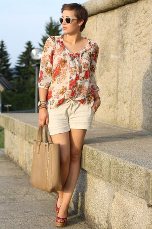 ruby red floral Primark blouse - brown Hallhuber bag - tan linen shorts