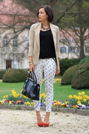white dog printed Sheinside pants - beige Sheinside blazer - black Primark shirt