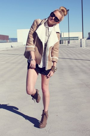 Chloe sunglasses - Luxury Rebel boots - Theory dress - Old Navy jacket