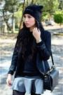 Black-beanie-oysho-hat-black-black-zara-blazer-black-cross-zara-bag