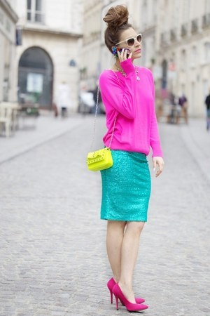 bubble gum essentiel sweater - yellow bag - aquamarine essentiel skirt