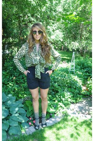 green vintage blouse - black Forever 21 shoes - black vintage shorts