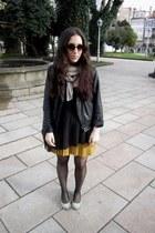 sky blue Bimba&Lola shoes - black Stradivarius bag - dark gray H&M t-shirt - mus