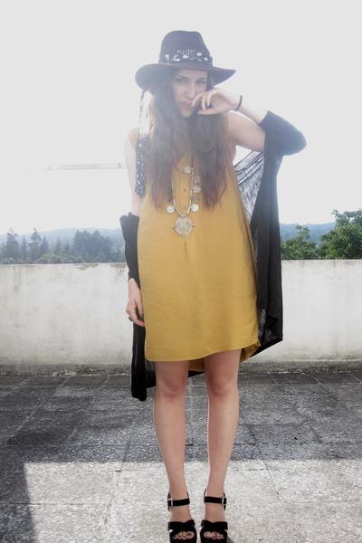 Office shoes - Primark dress