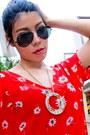Necklace-oxford-zara-shoes-shorts-ray-ban-sunglasses-ring-zara-top