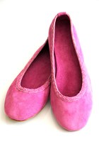 Bubble-gum-suede-elf-flats