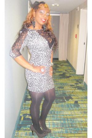leopard print dress - leopard print pumps - ruby woo mac accessories