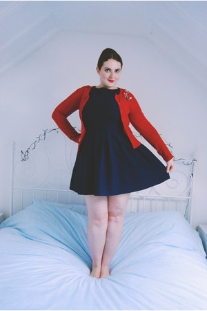 red anchor collectif cardigan - navy skater Topshop dress