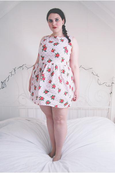 white floral Topshop dress