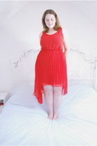 red pleated new look dress
