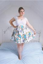 white floral H&M skirt - white basic Primark t-shirt