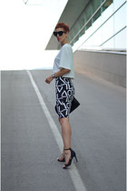 FD Avenue skirt - giant vintage sunglasses - Jolly Chic top