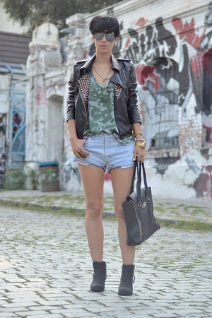 wwwchoiescom jacket - Topshop boots - wwwvj-stylecom bag - Levis shorts