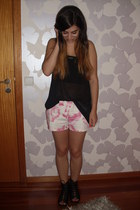 bubble gum floral print Zara shorts - black stripes H&M shirt