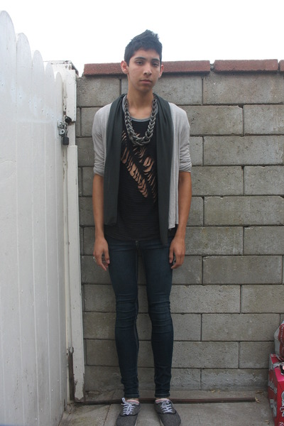black DIY t-shirt - gray cardigan - silver Macys necklace - blue Forever 21 jean