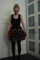 black Mina UK dress - black H&M tights - red Secondhand bag