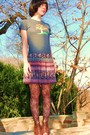 Blue-taylor-t-shirt-brown-forever21-skirt-brown-apostrophe-tights-brown-bo