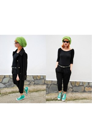 Converse sneakers - Bellino coat - Zara blouse