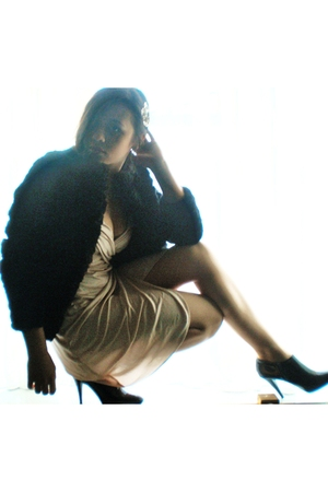 black Zara shoes - beige Zara dress - black H&amp;M coat - silver Tiffany necklace -