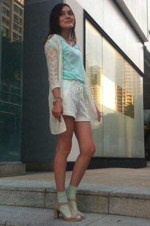 white knitted coat - white shorts - aquamarine socks - aquamarine Zara top