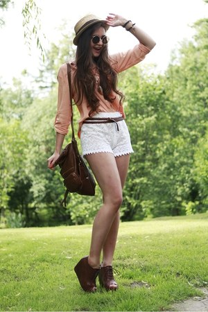 ivory crochet handmade shorts - camel Stradivarius hat