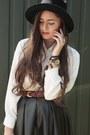 Ivory-silk-second-hand-shirt-dark-brown-second-hand-bag-brick-red-leather-se