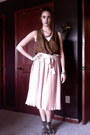 Light-pink-pleated-skirt-anthropologie-skirt-dark-brown-nine-west-wedges