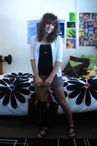beige Old Navy shorts - black burkinstocks shoes - black Old Navy top - white Ga