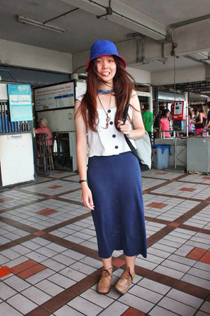 navy Local band in Thailand dress - blue two-tone hat - white bag