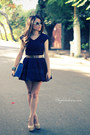 Navy-dress-eggshell-bag-sky-blue-sunglasses-eggshell-pumps